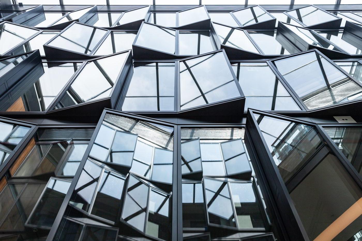 Bucerius Kunst Forum Artrium mit Glasfassade