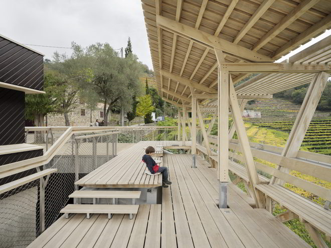 Arrokabe Arquitectos Holzkonstruktion mit Terrasse