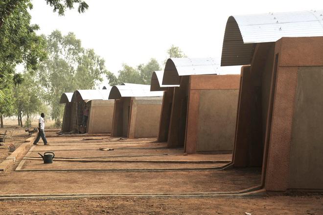 Lehrerhäuser in Gando