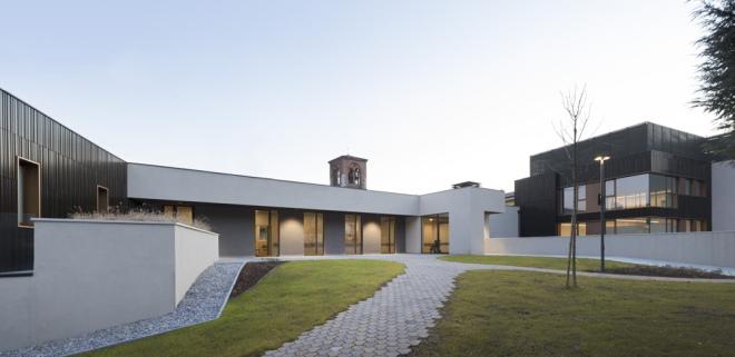 Nordfassade des Multi-Service-Pflegezentrums von Studio Capitanio